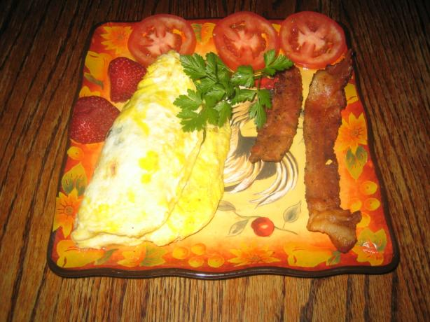 Fresh Spinach Tomato and Bacon Omelet