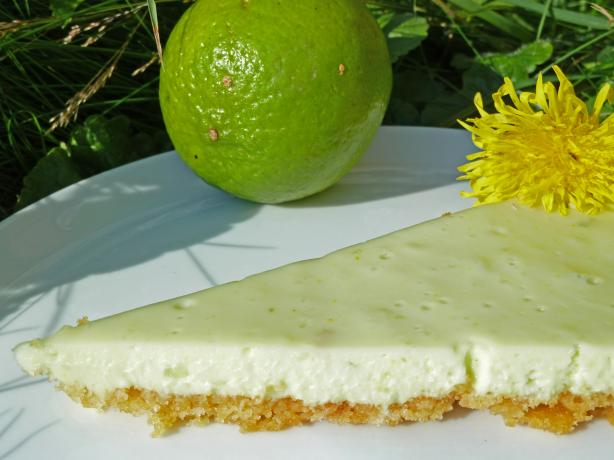 Easy Refrigerator White Chocolate Lime Pie (No-Bake)