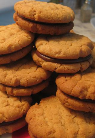 Fudge-Filled Peanut Butter Cookies