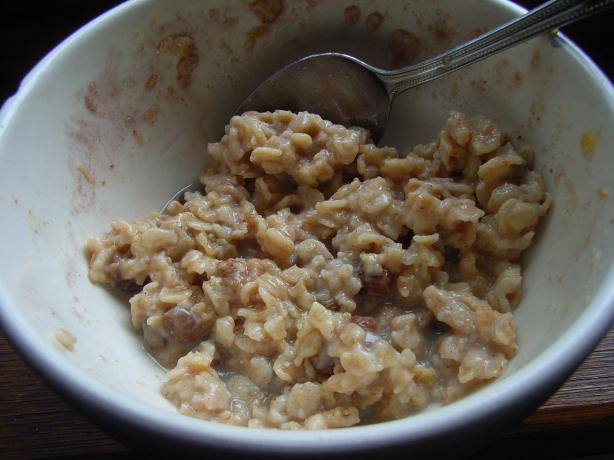 Maple Oatmeal With Dried Fruit and Granola