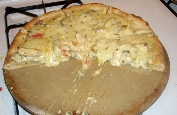 Nikki's Chicken and Spinach Alfredo Pizza