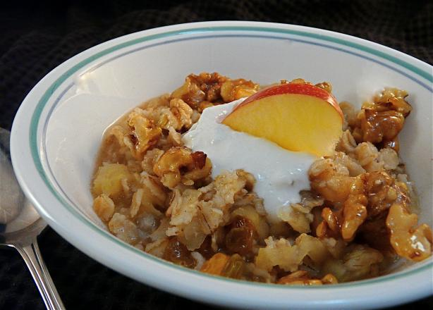 Old-Fashioned Oatmeal With Apples, Raisins and Honey-Toasted Wal