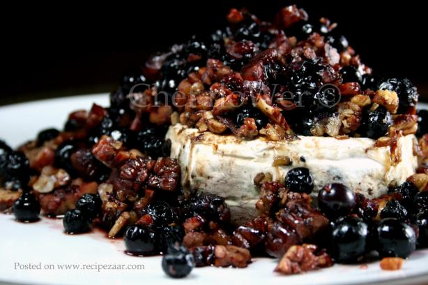 Blue Brie (Baked Brie With Blueberries)