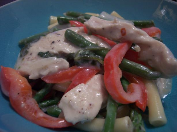 Chicken and Ziti With Asparagus in a Creamy Sauce