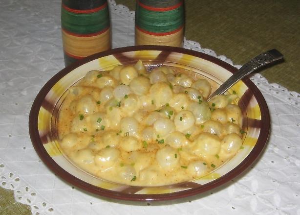 Grandma's Famous Creamed Onions Au Gratin
