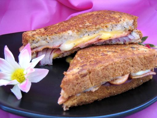 Bacon-Tomato Grilled Cheese