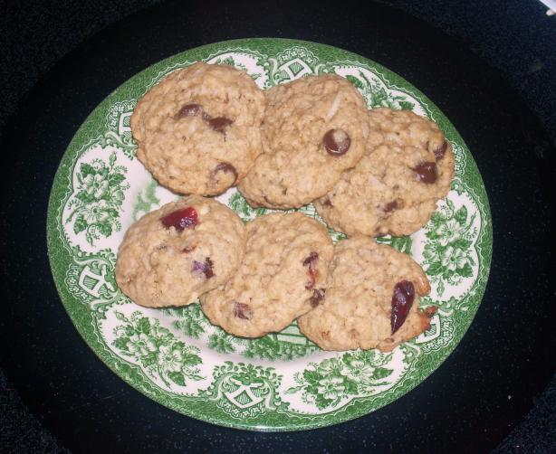 Banana Oatmeal Cookies (With a 'trail Mix' Variation)