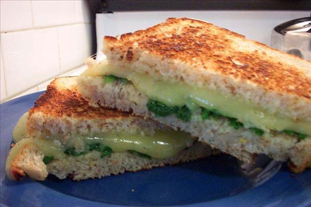 Spinach and Havarti Sandwiches on Multigrain Bread
