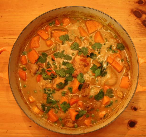 Ca-Ri Ga (Chicken Curry With Potatoes, Carrots and Peas)