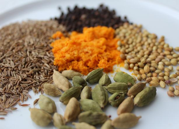 Hawaij -- Hawayej -- Hawaiege -- Yemeni Spice Mixture