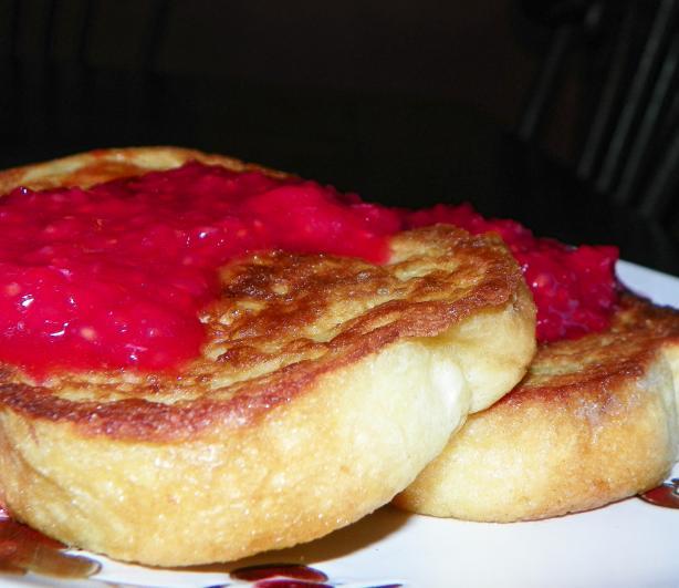 Vanilla Maple French Toast With Raspberry Sauce
