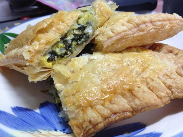 Spinach Pie in Puff Pastry (Spanakopita)