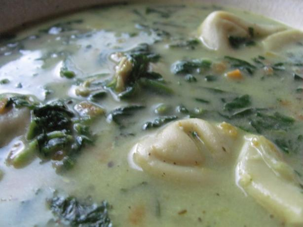 Creamy Chicken, Spinach and Tortellini Soup
