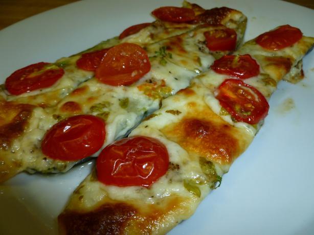 Margarita Pizza Zucchini Boats
