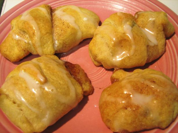 Easy Mini Cinnamon Marshmallow Crescent Twists