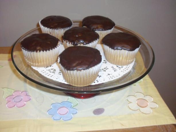 Boston Cream Cupcakes with Chocolate Ganache Frosting