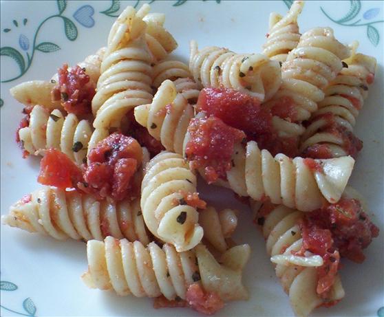 Italian Tomato and Pasta Salad