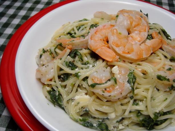 Mediterranean Fettuccine With Shrimp and Spinach
