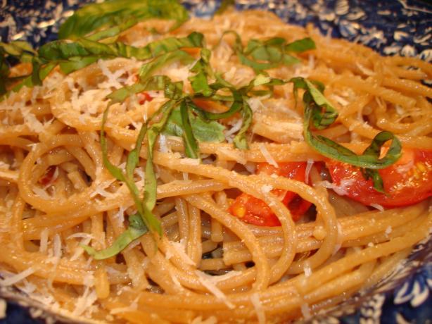 Spaghetti Aglio Olio E Peperoncino (Garlic, Oil & Peppers)