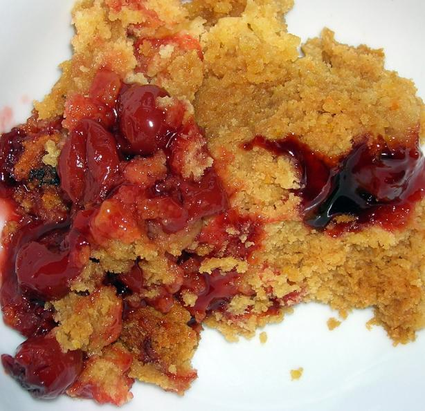Crock Pot Apple or Cherry Cobbler