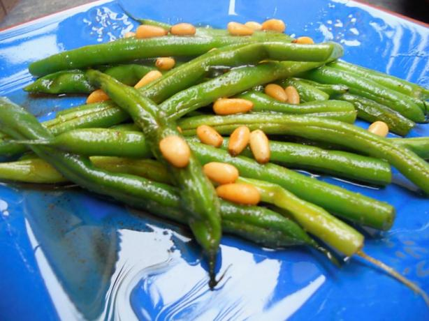 Green Beans With Pine Nut Butter Sauce