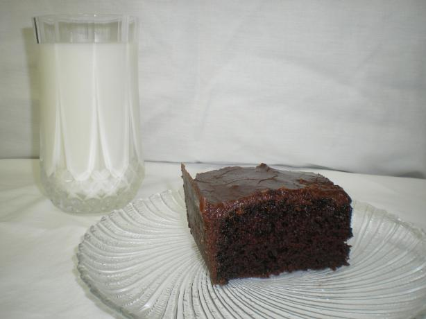 Evonne's Chocolate Cake With Fudge Frosting
