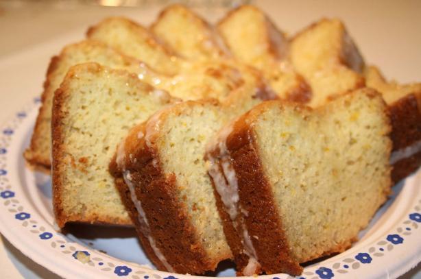 Magnolia Bakery Lemon Vanilla Bundt Cake