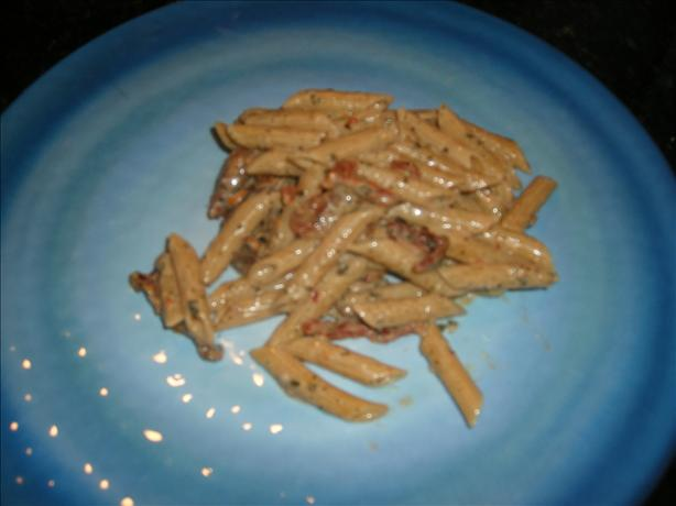 Penne With Pesto Cream Sauce and Sun-Dried Tomatoes