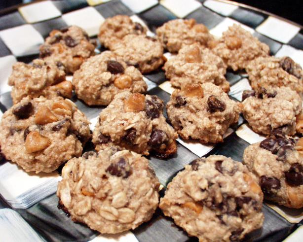 Dark Chocolate and Butterscotch Oatmeal Cookies