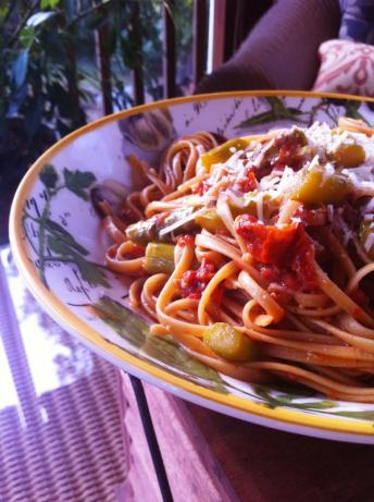 Fettuccine With Asparagus and Sun-Dried Tomatoes