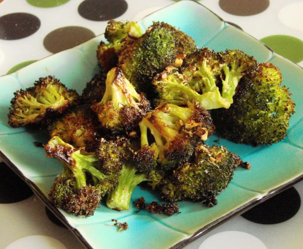 Roasted Broccoli With Garlic and Red Pepper