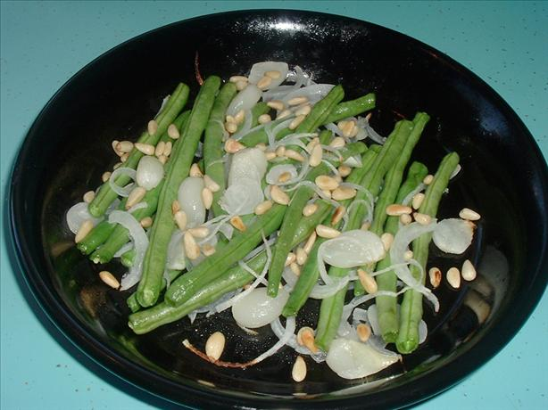 Roasted Green Beans With Garlic and Pine Nuts