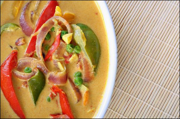 Spicy Thai Peanut Vegetable Curry