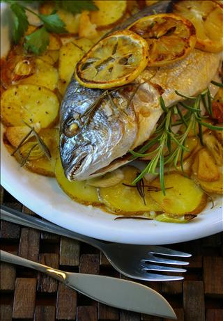 Orata Al Forno (Baked Sea Bream With Potatoes)
