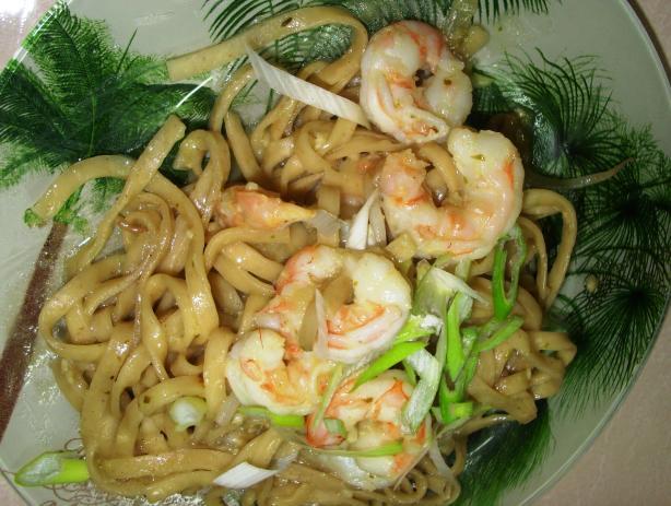 Laksa Flavoured Prawns/Shrimp and Hokkien Noodles