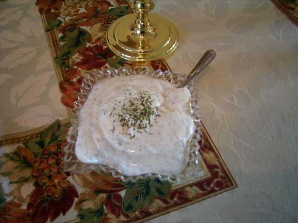 Sour Cream & Dill Sauce to Serve With Salmon