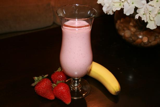 Healthy Strawberry-Banana Smoothie (W/Rice Bran)