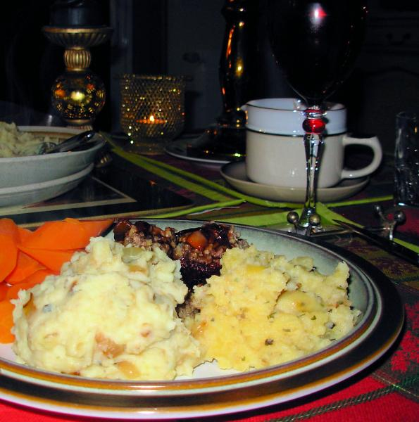 Skirlie Mash - Scottish Mashed Potatoes With Onions and Oats