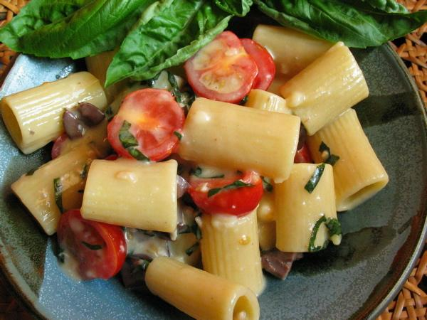 Pasta With Brie, Tomatoes, Olives, and Basil