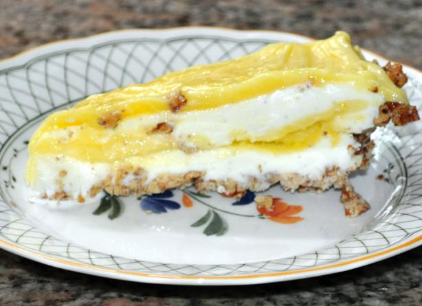 Lemon Ice Cream Pie With Pecan Crust