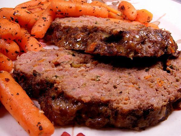 Easy Slow-Cooker Meatloaf