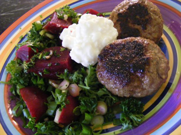 Beef Rissoles & Beetroot Salad (21 Day Wonder Diet: Day 11)