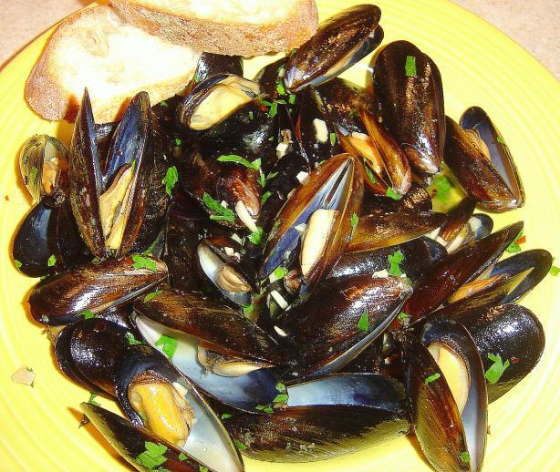 Mussels in White Wine (Or Beer) - 4 Ingredients