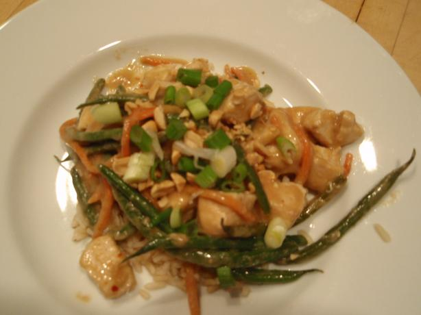 Chicken and Green Beans in Spicy Peanut Sauce!