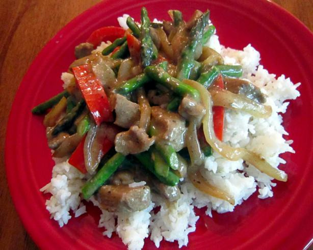 Beef Stir-Fry With Asparagus, Red Bell Peppers and Caramelized O