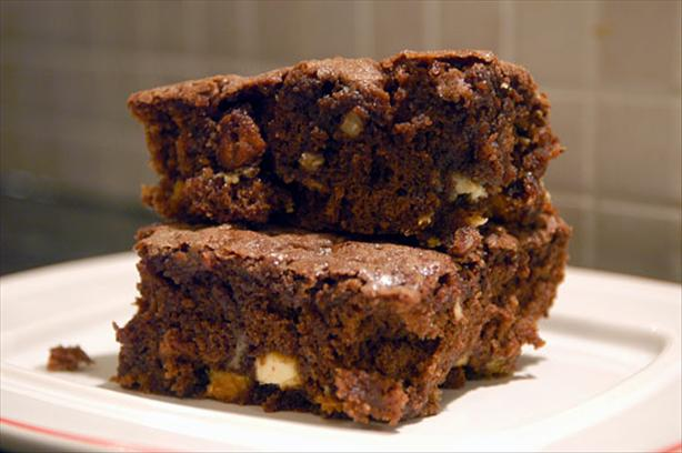 Macadamia Chocolate Brownies With White Chocolate