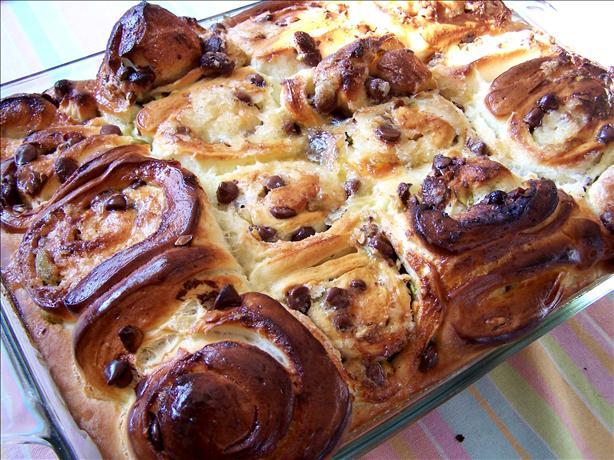 Chocolate and Pistachio Whiligig Buns