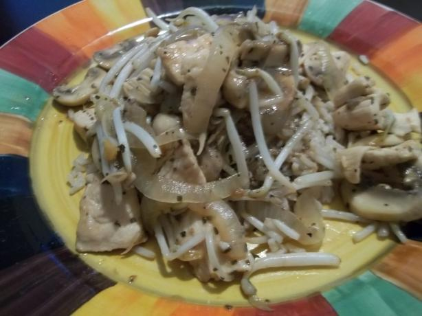 Tamarind Chicken With Bean Sprouts & Mushrooms