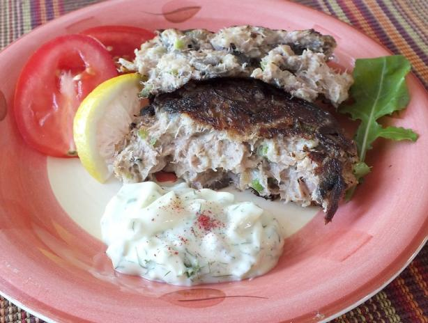 Flavorful Tuna Patties With Dill Sauce