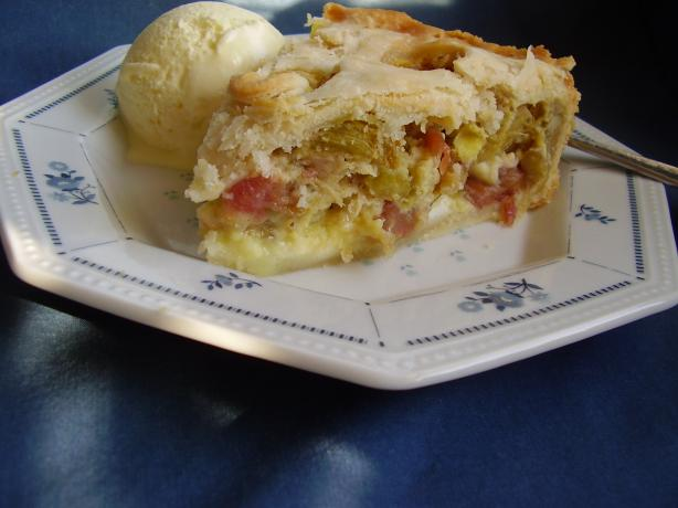 Wanda's Rhubarb Cream Pie